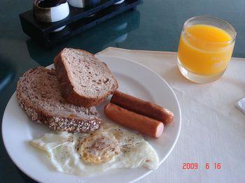 01 breakfast.jpg