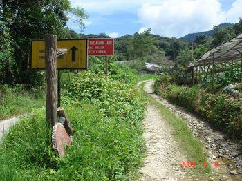 12 brinchang sign.jpg